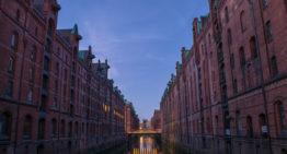 Fotostopp: Hamburg – die Speicherstadt zur blauen Stunde