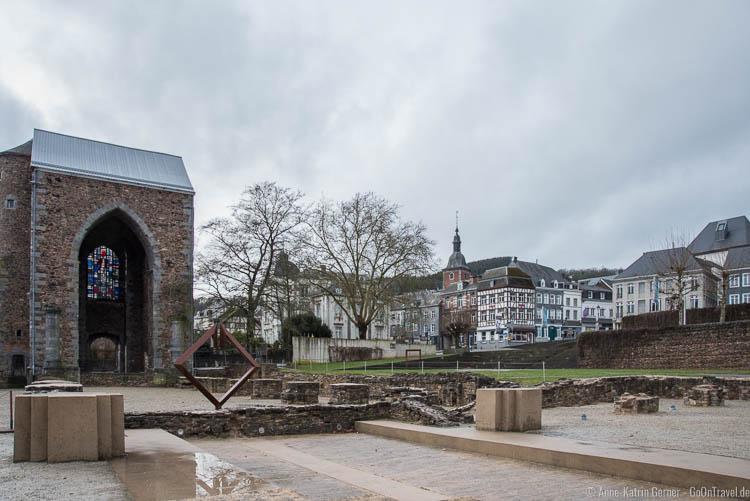 Außenanlage der Abtei von Stavelot