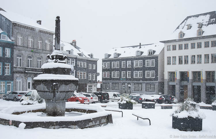 Place Saint-Remacle in Stavelot im Winter