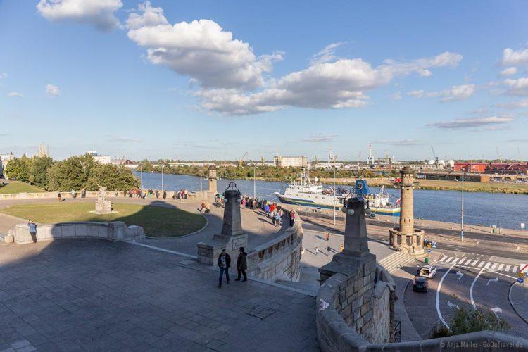 Ein Teil der Hakenterrassen mit Blick auf die Oder und den Hafen von Stettin
