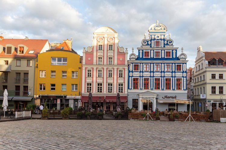 Der Heumarkt mit seinen Fassaden