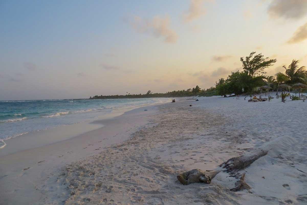 Strand in Xpu Ha in Mexiko