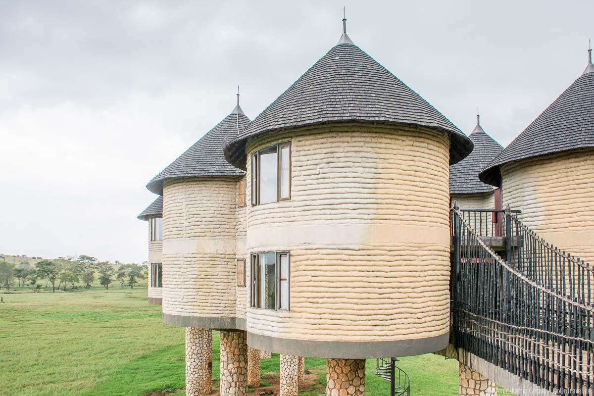 96 Zimmer auf zwei Etagen in der Salt Lick Lodge in Taita Hills