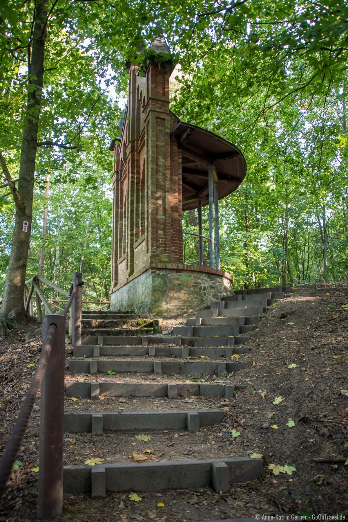 Stufen zur Brunnenkapelle