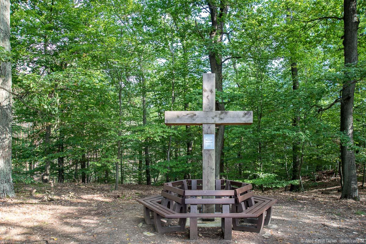 Der märkische Watzmann mit Gipfelkreuz