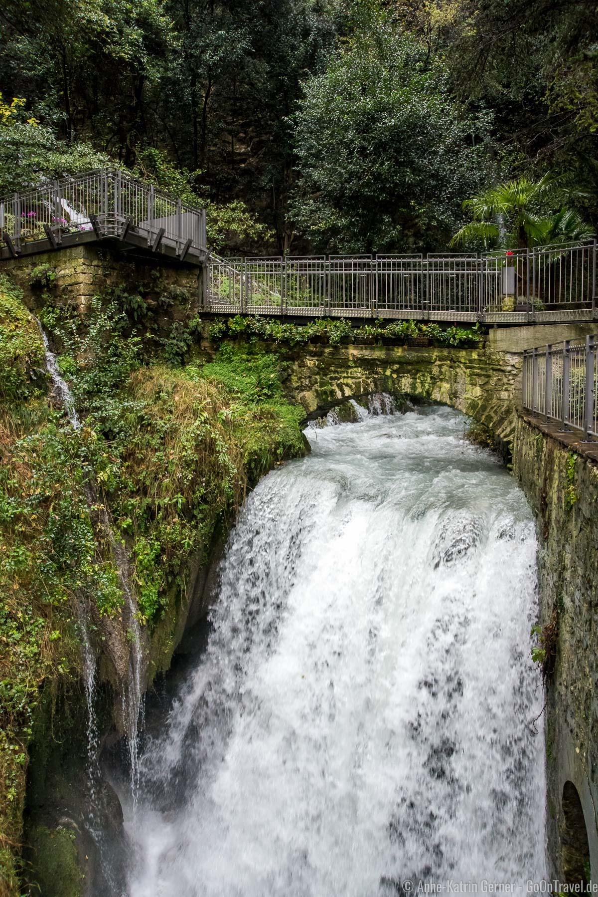 Der Varone Wasserfall mündet im Gardasee