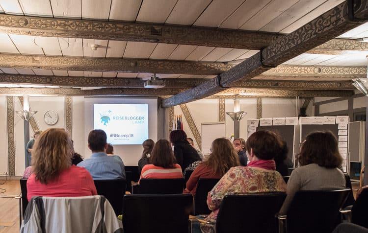 Eröffnung BarCamp im Rathaus durch Romy