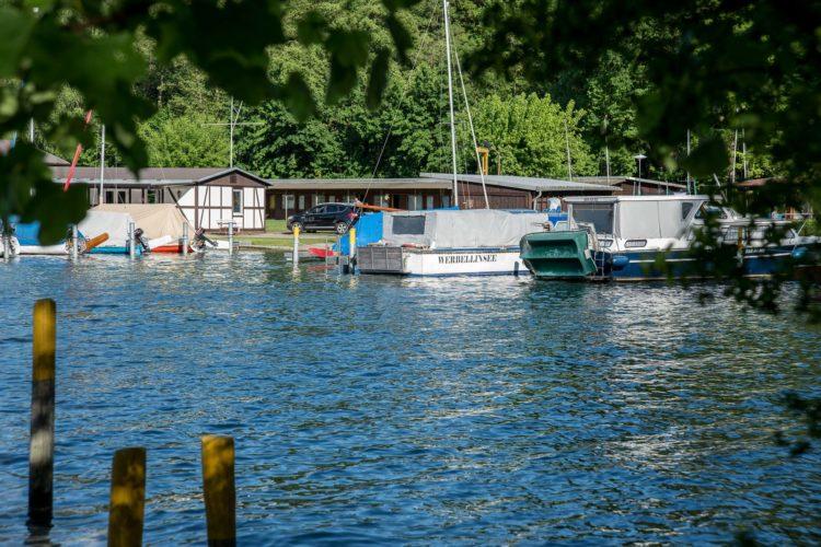 Werbellinsee wandern Brandenburg Boote