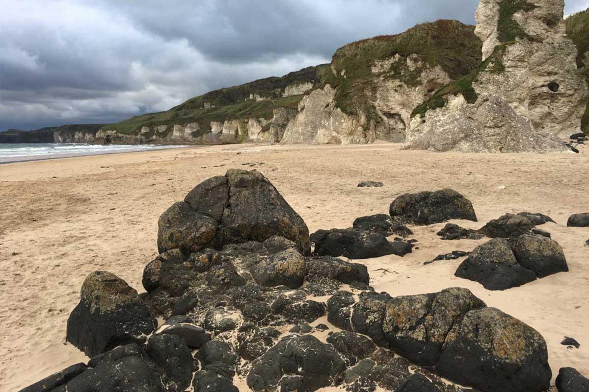 Whiterocks Beach in Nordirland