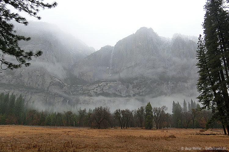 Der Yosemite Fall aus der Ferne