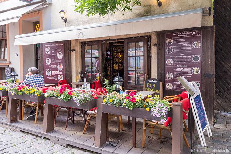 Zviedru vārti befindet sich direkt in der Nähe des Schwedentors in Riga.