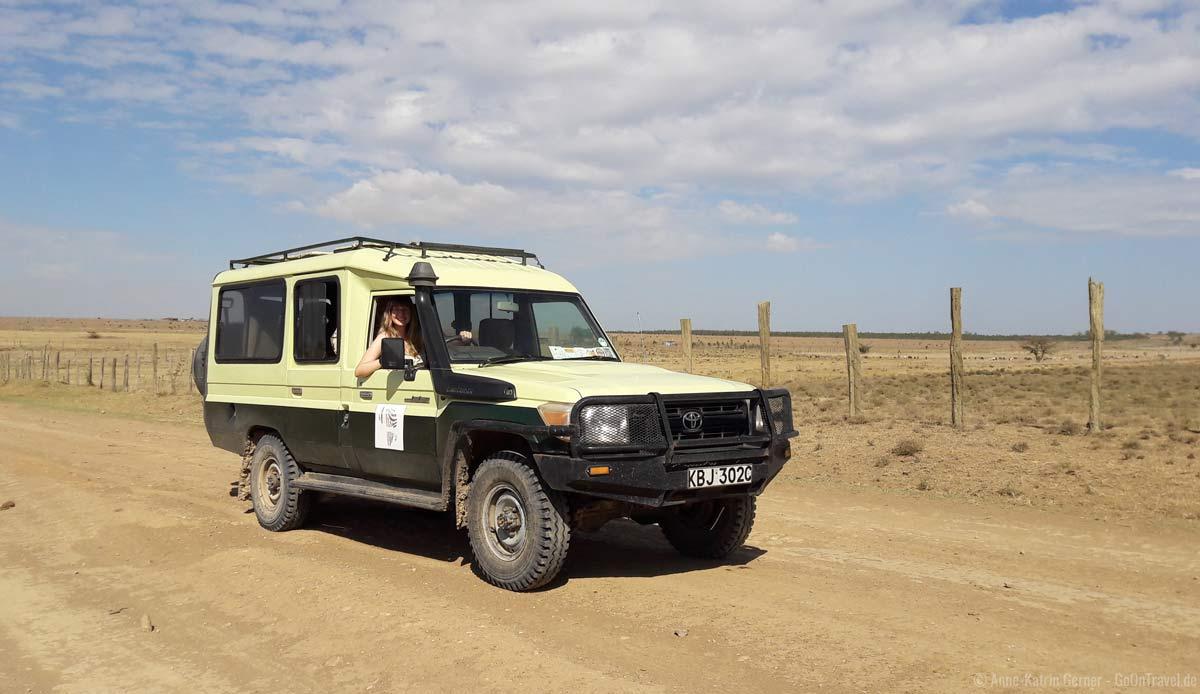 geschlossener Safari Geländewagen